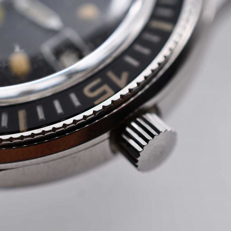 detail-couronne-blancpain-rayville-fifty-fathoms-1965-aqualung-boutique-montres-collection-mostra-store-aix-en-provence