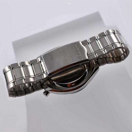 vue montre-bracelet-boitier-citizen-bullehead-1979-collection-chrono-course-montres-vintage-mostra-store-aix-en-provence