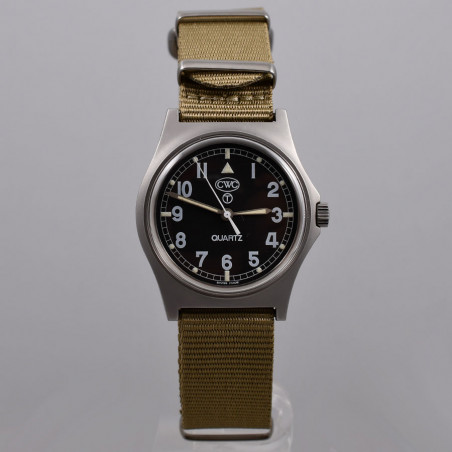 cwc-military-watches-w10-royal-navy-1990-mostra-store-montres-occasion-magasin-montres-aix-en-provence
