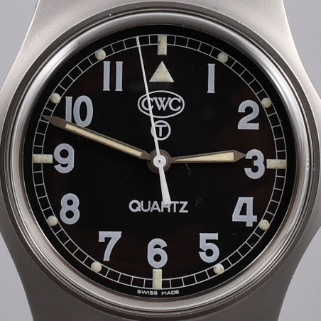cwc-military-watches-w10-royal-navy-1990-mostra-store-montres-occasion-magasin-montres-aix-en-provence-cadran-expertise-expert