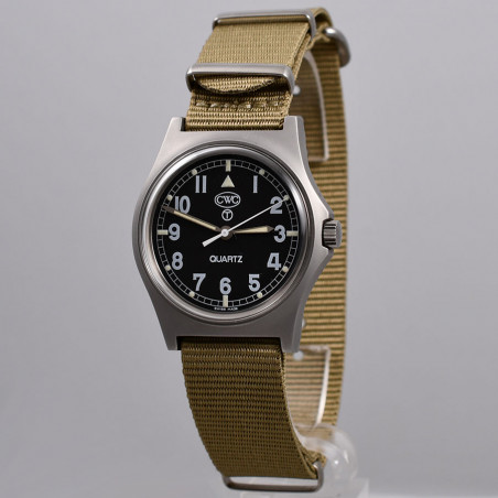 cwc-montres-militaires-w10-royal-navy-1990-mostra-store-montres-occasion-magasin-montres-vintage-aix-en-provence