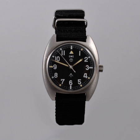 military-watch-cwc-mecanical-1976-mostra-store-aix-en-provence-montres-vintage-boutique-magasin-occasion