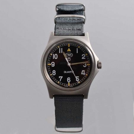 military-watch-cwc-royal-nair-force-w10-circa-1991-vintage-aix-en-provence-boutique-mostra-store-store