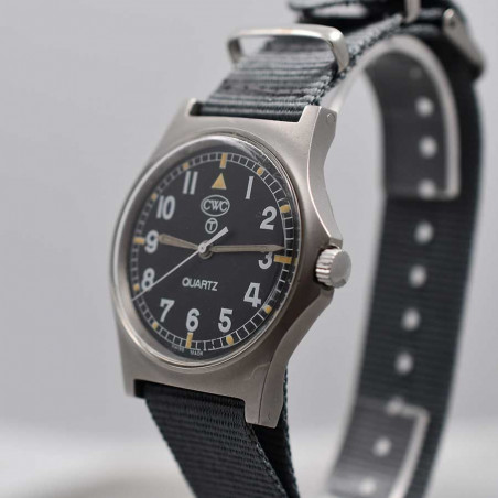 military-watch-cwc-royal-navy-pilot-w10-circa-1991-vintage-aix-en-provence-boutique-mostra-store-occasion-collection-shop-d