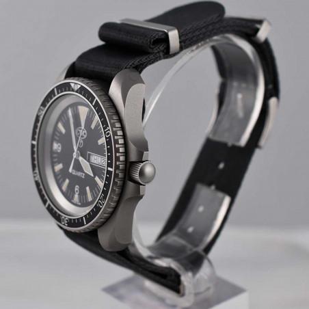 cwc-montre-militaire-plongee-rn-300-boutique-mostra-store-aix-en-provence-vintage-watches-shop-achat-ventes-montres-anciennes