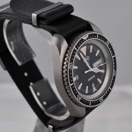 cwc-montre-militaire-plongee-rn-300-boutique-mostra-store-aix-en-provence-vintage-watches-shop-montres-militaires-expert