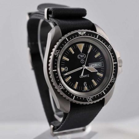 cwc-montre-militaire-plongee-rn-300-boutique-mostra-store-aix-en-provence-vintage-watches-shop-boutique-montres-plongee