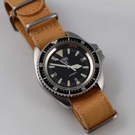 boutique-montres-plongée-militaires-anciennes-vintage-modernes-achat-vente-cwc-aix-mostra-store