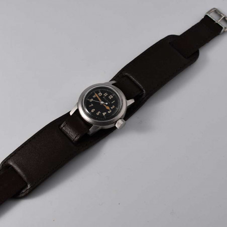 bullova-a-17-a-aviation-pilote-us-air-force-vintage-military-watch-mostra-store-aix-montres-aviation-long-strap