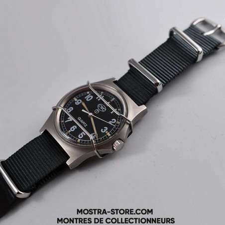 montre-militaire-cwc-w-10-royal-navy-combat-shield-1990-military-watch-mostra-store-boutique-aix-montres-military-strap-nato