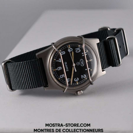 montre-militaire-cwc-w-10-royal-navy-combat-shield-1990-military-watch-mostra-store-boutique-aix-montres-military-vintage