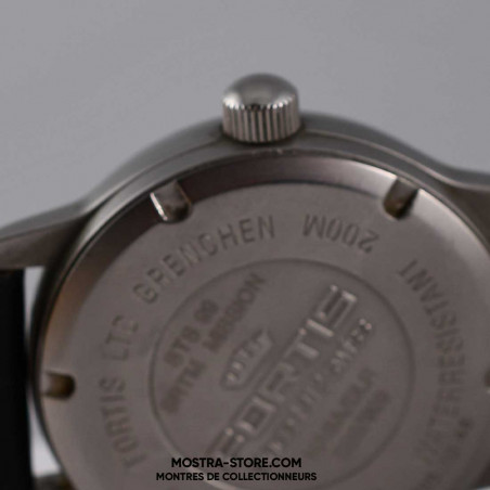 montre-fortis-nasa-sts-99-x-sar-strm-limited-edition-2000-mostra-store-aix-couronne-remontoir-crown
