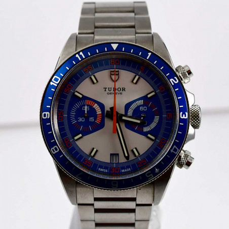 tudor-chronographe-heritage-racing-pilote-course-m70330b-collection-luxe-seventies-sixties-homme-femme-mostra-store-aix