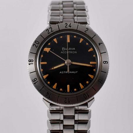 montre-bullova-accutron-astronaut-vintage-1963-nasa-apollo-watch-collection-aviation-mostra-store-aix-en-provence