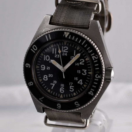 montre-militaire-benrus-type-2-seal-team-special-operations-usa-collection-militaire-circa-1979-mostra-store-aix-en-provence