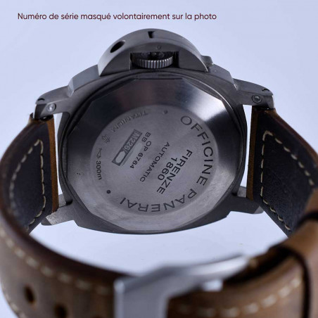 dos-boitier-montre-panerai-luminor-marina-automatic-date-titane-occasion-2014-collection-plongee-mostra-store-aix-en-provence